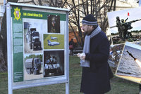 Vojáci už čtvrt století pomáhají v Česku i zahraničí: Výstava v Dejvicích ukazuje jejich činnost