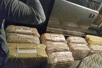 """Kdo pašoval z Argentiny půl tuny kokainu? """"Byla to Putinova vládní letka"""""""