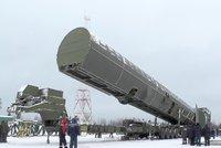 """Putinova raketa s """"neomezeným dosahem"""" neprošla testy. Zřítila se po pár kilometrech"""