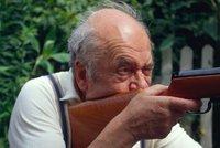 Důchodce zastřelil ve Florencii stánkaře z Afriky. Obchodník koupil šest ran