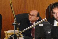 Ministr Pelikán dočasně odvolal vrchního soudce Elischera: Čelí obvinění z přijímání úplatků