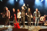Kapela Chinaski: První koncert v nové sestavě! A hned převzali cenu