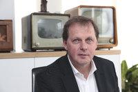 """Šéf ČT odmítá drsnou kritiku: """"Chtějí nás zastrašit."""" Kalousek vytáhl """"veřejné toalety"""""""