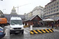 Protiteroristické zábrany mizí z centra Prahy.  Nebezpečí nehrozí, tvrdí magistrát