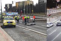 Průlom v objasnění tragické nehody v Hostivaři: Řidič jel na červenou, dva lidé srážku nepřežili