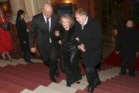Pilarová na koncertě pro Karla Svobodu (†68): Do schodů ji vedli dva muži