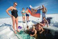 Rusko dnes volí prezidenta. Na Ukrajině je z toho dusno, opozice hlásí podvody