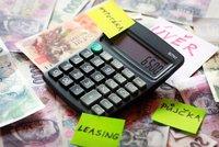 Chcete si půjčit peníze? 4 rady, které byste měli vědět, než půjdete do banky