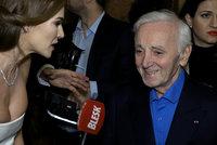 Zemřel Charles Aznavour (†94): Slavný šansoniér ještě v březnu vrkal v Praze s Verešovou!
