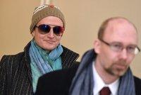 Advokátka okradla umírajícího seniora o desítky milionů: Soud jí snížil trest, odsedí si 6,5 roku