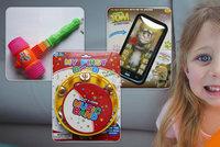 Tamburína z Číny připraví děti o sluch. Dalšími hračkami se můžou uškrtit