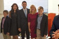 Třetí muž USA bere děti mimo Prahu. Má šanci být další prezident, míní exdiplomat