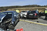 Hromadná nehoda zablokovala D1: Bouralo 17 aut, osm lidí skončilo v nemocnici