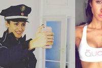 Krásku (32) nevzali k policii, protože si nechala udělat plastiku prsou