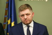 Policie stíhá Fica. Slovenský expremiér se zastal poslance s protiromskými výroky