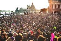 Evropským městům nevoní davy turistů: Zavádí nové poplatky, omezují přístup