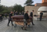 Slovenská elita se sešla na pohřbu Ficova kolegy Pavla Paška. Dorazil i Gašparovič