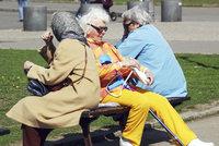 O spoření na důchod se státním příspěvkem slábne zájem. Ubylo tu 4000 lidí