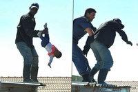 Video, které šokovalo svět: Otec hodil dceru (1) ze střechy domu!