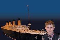 Chlapec s autismem postavil největší repliku Titaniku z lega. Teď doplula  do USA d04dccb42c