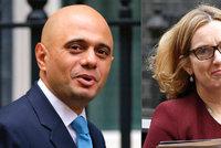 Kvůli chybě s migranty skončila britská šéfka vnitra. Nahradil ji syn přistěhovalců