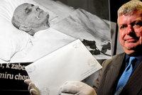 Unikát na Hradě: Vystavili obálku s posledními slovy T. G. Masaryka! Otevřít se může až za 7 let