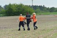 Dramatický boj o život dítěte u Mníšku pod Brdy: Topilo se v rybníku