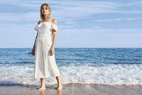 První letní kousky v obchodech: Koupíte si šaty s volánky nebo tropickou sukni?