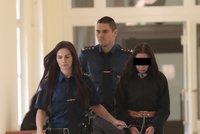 Krkavčí matka vraždu novorozené dcery plánovala: U soudu vyfasovala 15,5 roku vězení