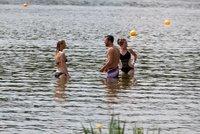 Kam na koupaliště v Praze? V Šeberáku jsou sinice, v Radotíně i Divoké Šárce vynikající voda