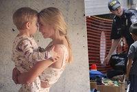 Ivanka Trump to schytala za fotku se synem. Matkám prý rvou na hranicích děti z rukou
