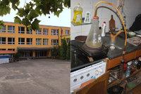 Výpary pervitinu ve zdech základní školy? Měření Prahy 12 kontaminaci nepotvrdilo