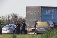 Nevyjasněné úmrtí za Prahou. Řidič kamionu zemřel za volantem, pomoc dorazila pozdě