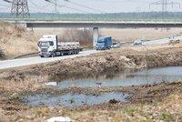 Poslanci schválili návrh usnadňující vyvlastnění: Dálnice půjde stavět rychleji