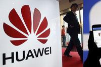 Facebook sdílel data uživatelů s Číňany. Sociální síť odvrací další skandál