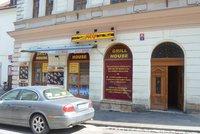 Kebab v Hradci Králové otrávil 60 lidí: Bývalý zaměstnanec prozradil, jak to v prodejně chodilo