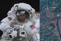 Takhle vypadá Praha z 400km výšky! Astronaut Andrew Feustel vyfotil stověžaté město z vesmírné stanice