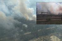 S nebezpečnými požáry lesů u Černobylu bojují hasiči třetí den. Nasadili i letadla