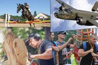 Tipy na víkend: Závod šerpů, historických letadel i přehlídka dřevosochařů a koňského umění