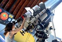 Pražské hvězdárny po nucené pauze otevírají brány! Lákají na Mars, Merkur i částečné zatmění Slunce
