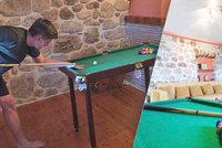 Past na turisty: Hotel lákal na obří kulečník, stůl byl spíš pro trpaslíky!