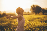 Proti rakovině tlustého střeva může pomoci pobyt na sluníčku. Pozor ale na rakovinu kůže!
