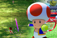 Smršť na tenisovém kurtu, ze které praskají rakety. Recenze Mario Tennis Aces