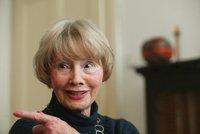 Zemřela exministryně Burešová (†88). Hájila matku Palacha, Havel jí dal metál