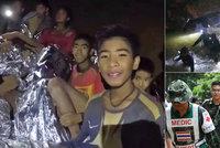 Jak dostat thajské fotbalisty z jeskyně? Děti nesmí panikařit, záchranáři nemají jasno