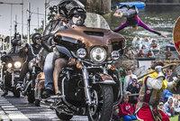 Tipy na víkend: Harleye obsadí Prahu, vyrazte na extrémní skoky do vody nebo na Velehrad za lebkou sv. Ludmily