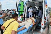 Nejméně 27 mrtvých v Thajsku. Loď s téměř stovkou turistů přemohly vlny