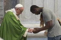 Papež sloužil mši za migranty. Peskoval pokrytectví a děkoval za solidaritu