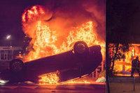 Zapálená auta, granáty: Dopravák zastřelil muže při kontrole, Francií zmítají nepokoje
