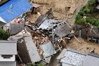 Bouře, sesuvy, záplavy a zemětřesení: Tragický den nepřežilo v Japonsku nejméně 48 lidí